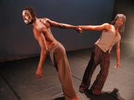 Danse : Etrange étranger, chorégraphie de Jean-Claude Pambè Wayack
