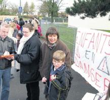Des écoles occupées par les parents pour soutenir le RASED