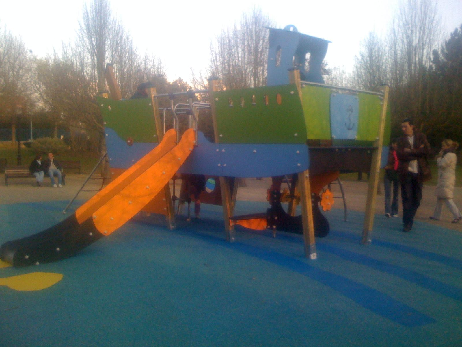 Nouvelle structure de jeux au parc de Chelles