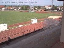 Une piste d'athlétisme ouverte aux joggeurs